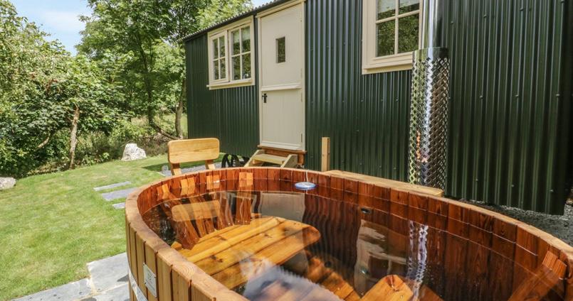 shepherd hut with hot tub